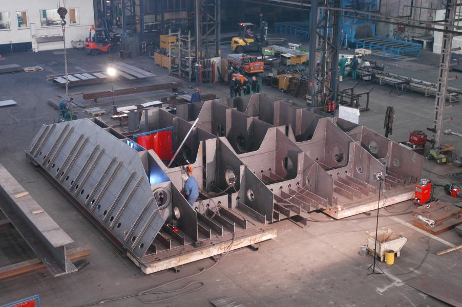 New lifting gates at Main-Danube-Canal shiplocks (Group No. III)