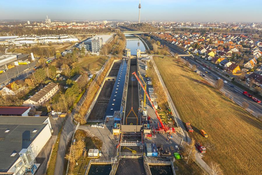 DSD NOELL erects Lift Gate in Nuremberg Navigation Lock